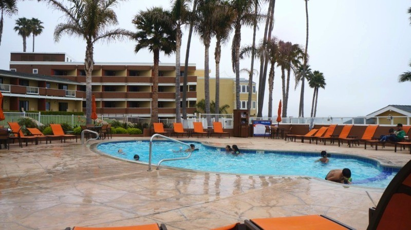 The Seacrest Oceanfront Hotel in Pismo Beach - heated pool and 3 jacuzzi hot tubs