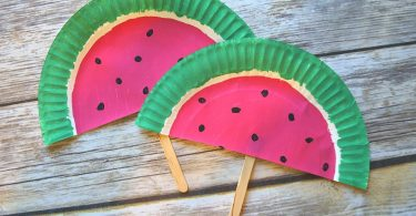Watermelon paper plate fans - what a fun summer DIY paper fan craft
