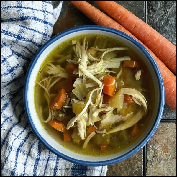 Fantastic slow cooker chicken soup - Mash Up Mom