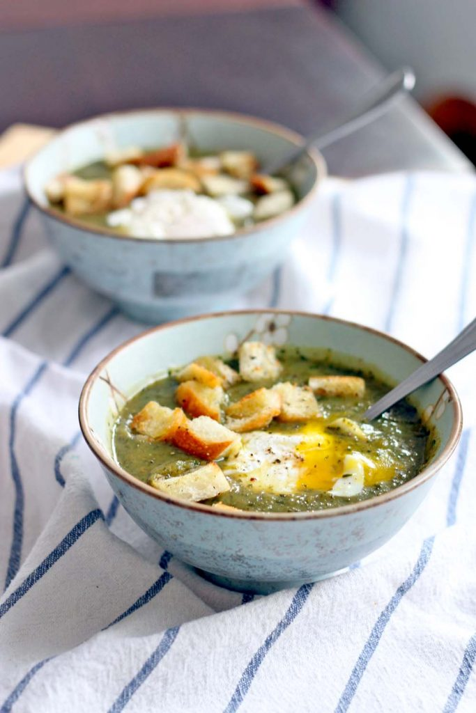 Slow cooker vegetable soups - Asparagus spinach and potato soup