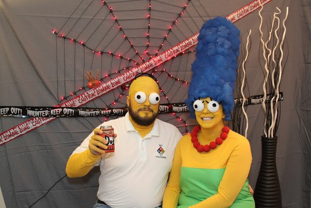 Homer and Marge SImpson Halloween costume for couples