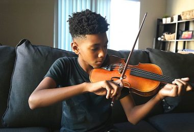 How to choose a violin for kids